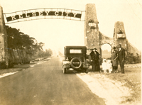 The Collie family at the Kelsey City gate, 1920s